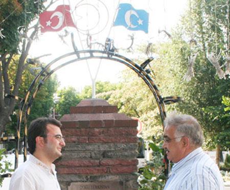 Servet KABAKLI: Doğu Türkistanı sözde milliyetçiler sattı...